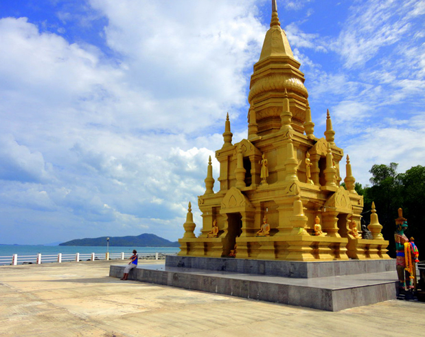 Храм и пагода Laem sor