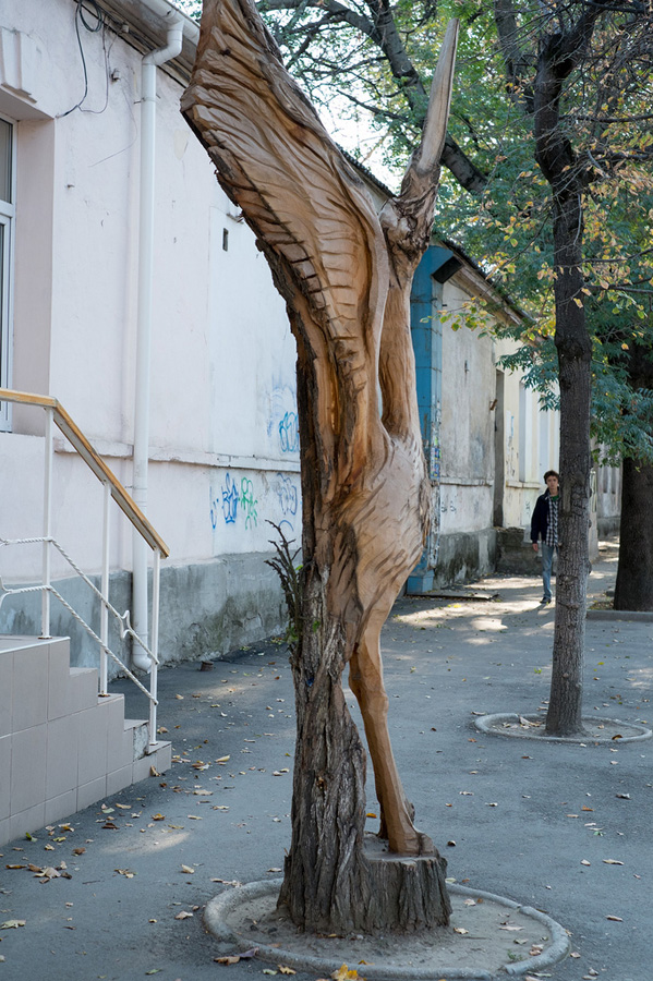 derevyanniestatui 7 Деревянные скульптуры в Симферополе