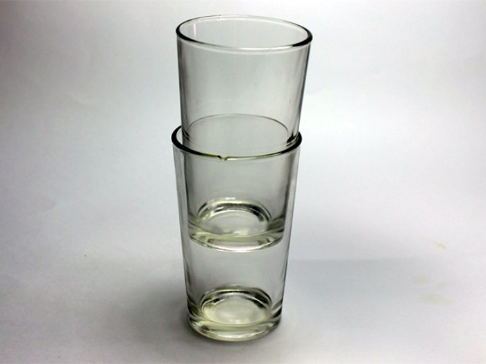 Есть простое средство, которое поможет легко рассоединить два слипшихся стакана. /Фото: i2.wp.com