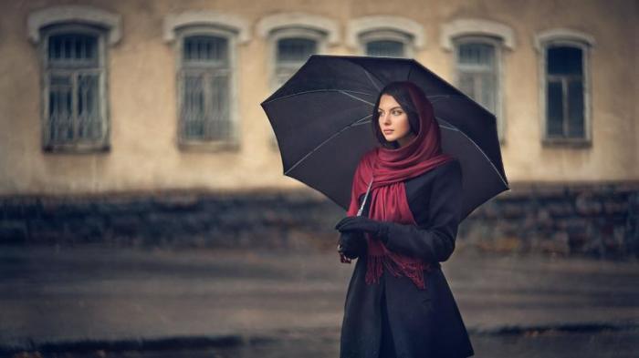 В пальто вы будете смотреться гораздо солиднее. /Фото:poster.nicefon.ru