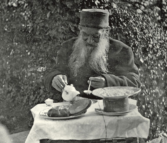 Львиный обед. 12 доступных блюд из меню Льва Толстого