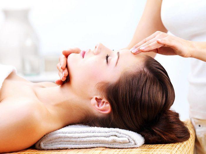 Лимфодренажный массаж необходимо делать вручную