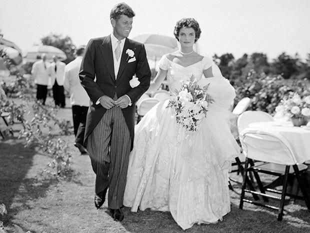 Фото №44 - 16 самых известных, красивых и дорогих свадебных платьев за всю историю