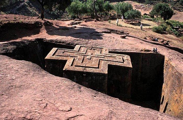 Скальные церкви - структуры, вырезанные в камне.
