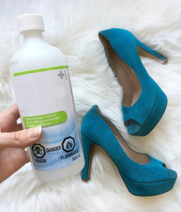 Чистка замшевой обуви. | Фото: uDuba.