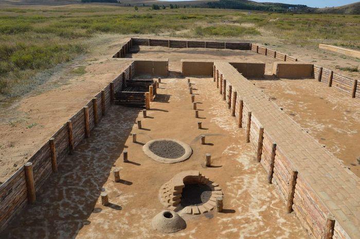 Аркаим - раскопки на месте древнего поселения в Челябинской области