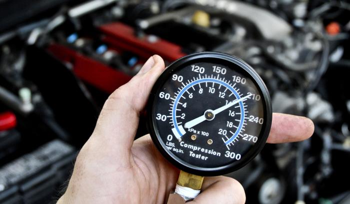 Компрессометр – прибор первичной диагностики состояния двигателя. | Фото: megus-service.ru.