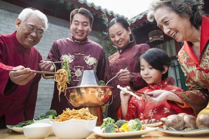 5. Семья и друзья – все для китайцев Их нравы, китай, семья, традиции, шокирующая азия, язык