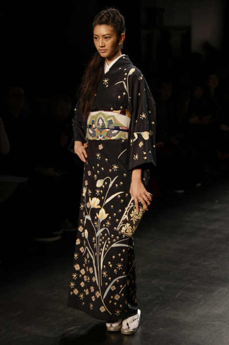 В привычном нам виде кимоно появилось только в середине XIX века