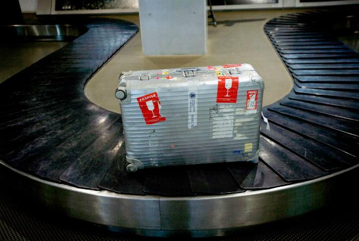 Наклейка о хрупком багаже.