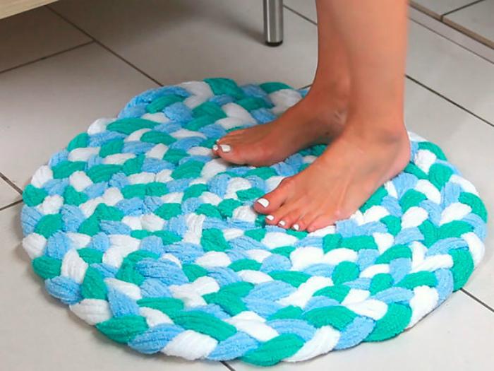 Круглый коврик из полотенец.