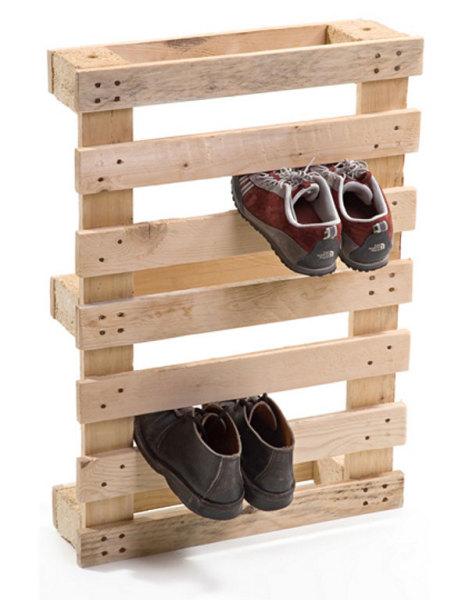 деревянные поддоны в качестве полки для обуви