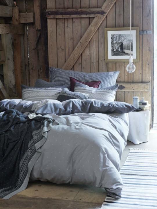 rustic-bedroom-decorating-idea-47