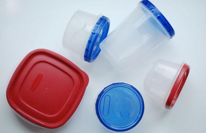 Чистка и удаления запахов из пластиковых контейнеров.