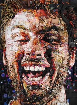 картина сделана из мусора