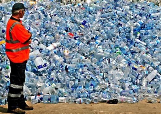 Пластиковые бутылки свалка