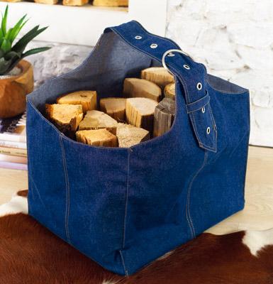 удобная сумка из старых джинсов