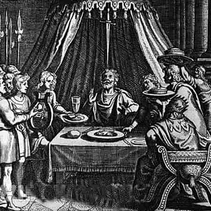 Царь продемонстрировал Дамоклу, что на самом деле такое его видимое абсолютное счастье.