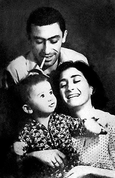 Семейный снимок с сыном Константином.