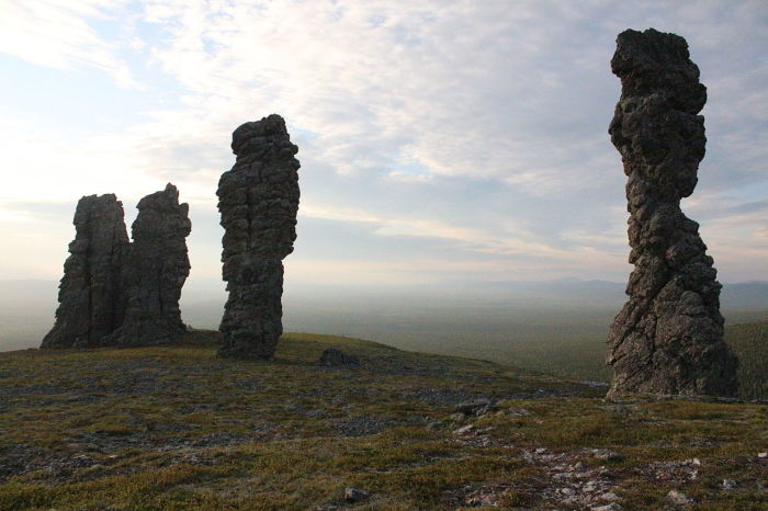 Останцы на плато Маньпупунёр (территория Печоро-Илычского заповедника)