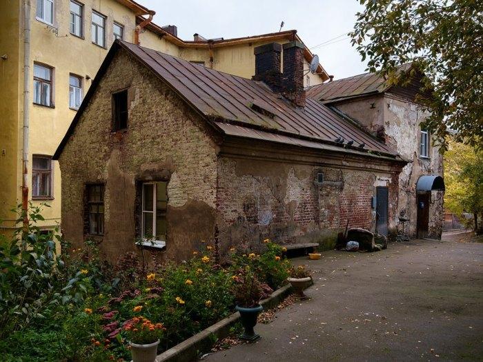 Самый старый дом в России. /Фото: Виктор Юльев, the-village.ru
