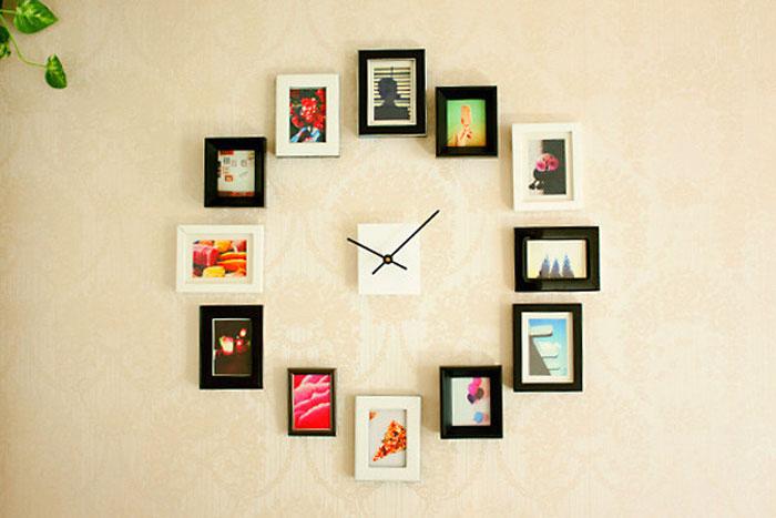 Часы, составленные из фоторамок.