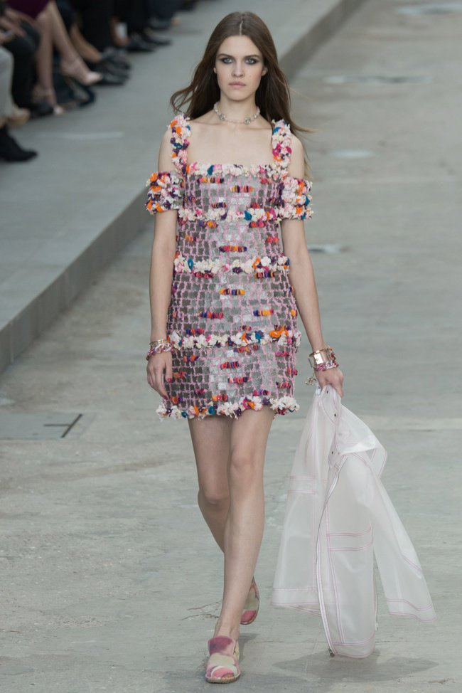 chanel-2015-spring-summer-runway31.jpg