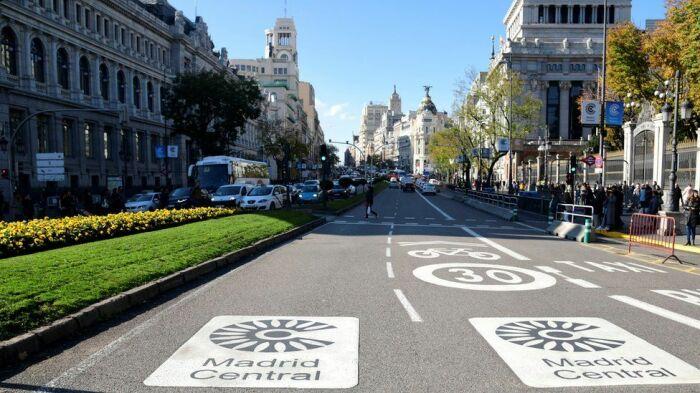 В зону Madrid Central ограничен въезд автомобилей. /Фото: ichef.bbci.co.uk