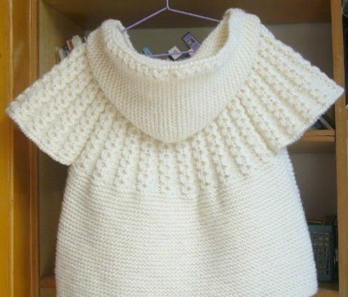 Красивый, модный детский жилет на девочку белый с капюшоном спицами: схема, выкройка