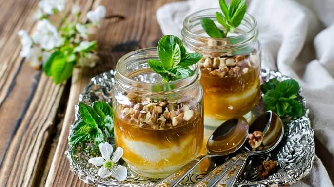 Мед с орехами — ваше спасительное лакомство