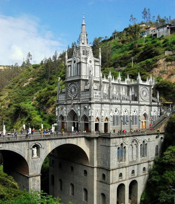 Величественный собор Лас-Лахас (Колумбия).