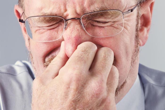 Простуда, аллергия, пыль — так много причин для неловкого чихания. /Фото: i.iheart.com