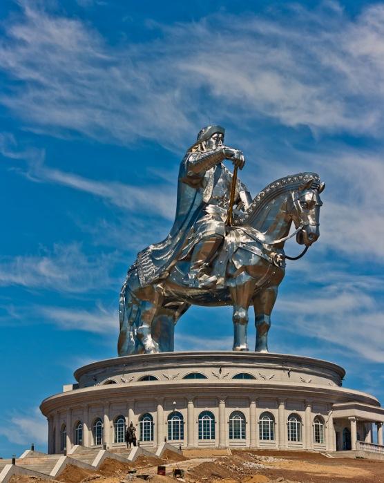 Легендарному месту и памятник соответствующий. /Фото: 1ynx.ru