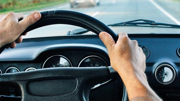 Вибрирующий руль – свидетель дорогостоящих проблем. | Фото: autorepairboulder.com.