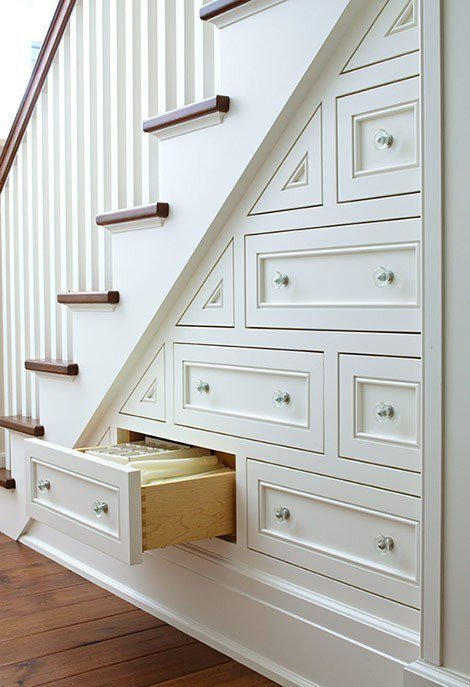 Комод под лестницей