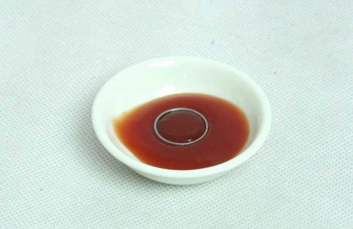 Нет средства для чистки украшений – зато есть кетчуп. /Фото: wowfacts.buzz
