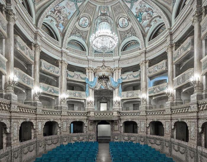Королевский дворец в Казерте, Италия, 2016. Фотоцикл от Давида Бардни (David Burdeny)