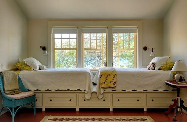 Для двух кроватей можно сделать общий настил