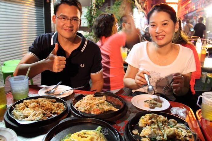 Кто-то придумывает несколько вилок для еды, а кто-то и одной не пользуется. /Фото: phuket.thai-sale.com