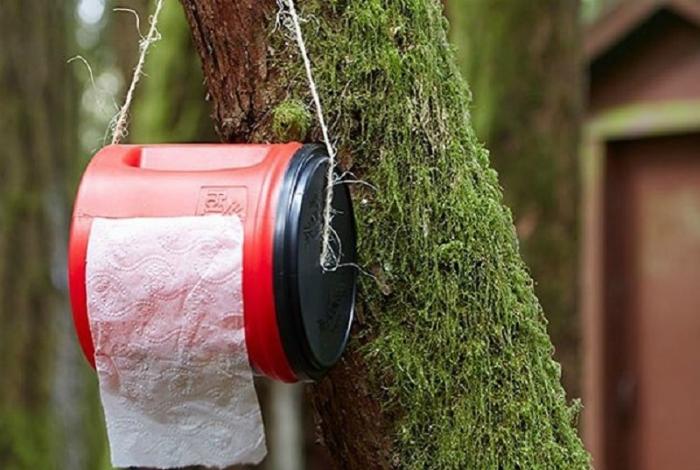 Контейнер для туалетной бумаги.