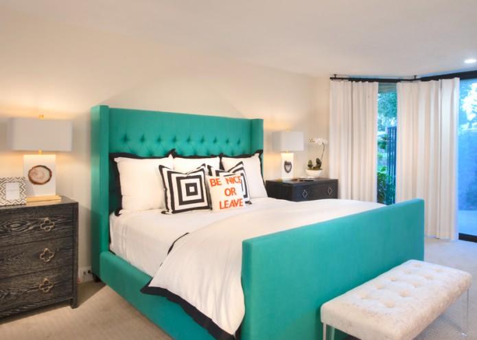 кровать цвета морской волны