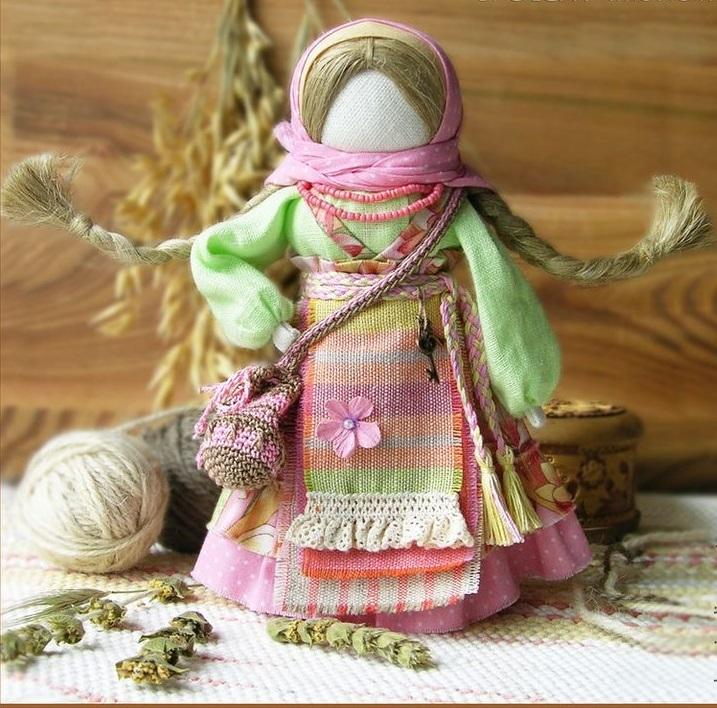 В узелке на боку куклы-оберега успешницы и хранился успех