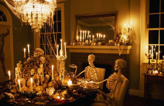 Украшение для комнаты на Хэллоуин - фото