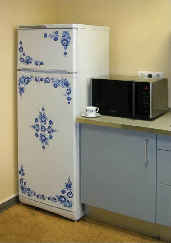 Декупаж холодильника в стиле гжель