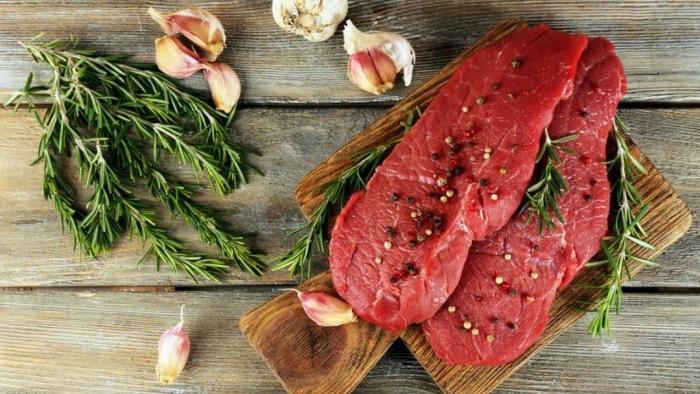 При выборе мяса в магазине или на рынке, на прилавке может поджидать обман. /Фото: lh3.googleusercontent.com