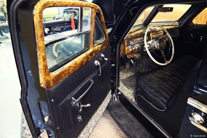 Кожей обшито только переднее сиденье. |Фото: drive2.ru.