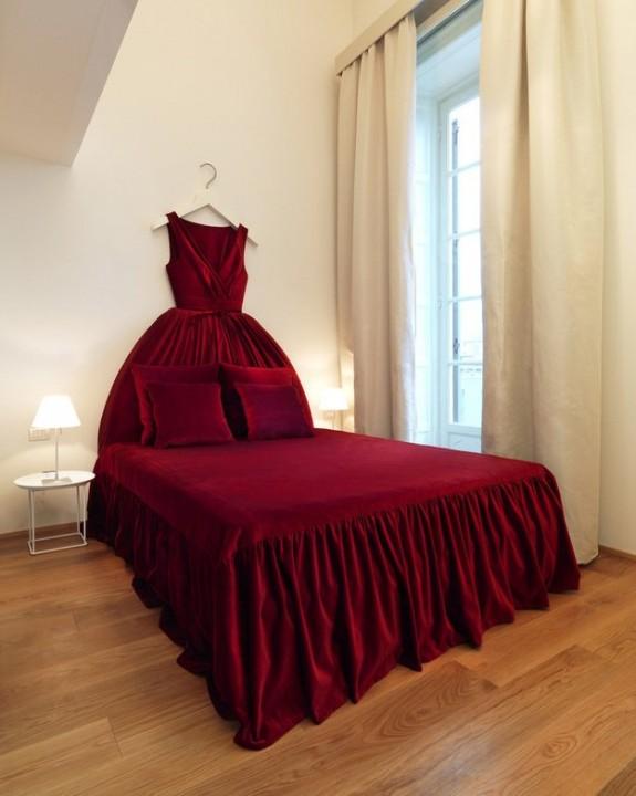 Один из номеров в отеле Maison Moschino в Милане