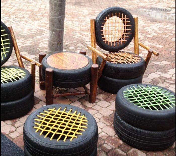 Из автомобильных шин можно своими руками изготовить очень удобную и функциональную мебель.