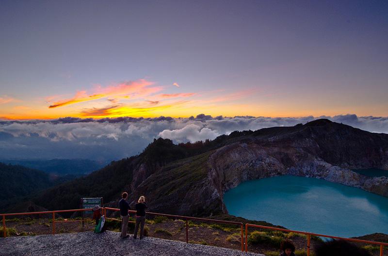 Разноцветные озера вулкана Келимуту, Индонезия новые фото