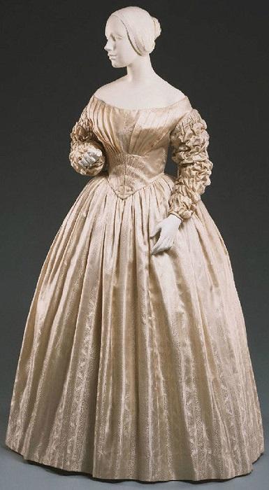 Свадебное платье 1841 год